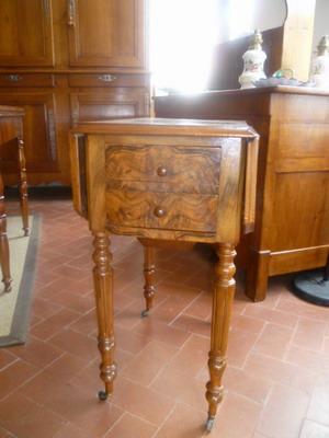 Catalogue chevets consoles petites tables empire louis - Table de chevet faible largeur ...
